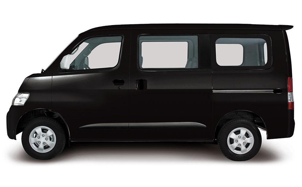 Daihatsu Granmax MB hitam
