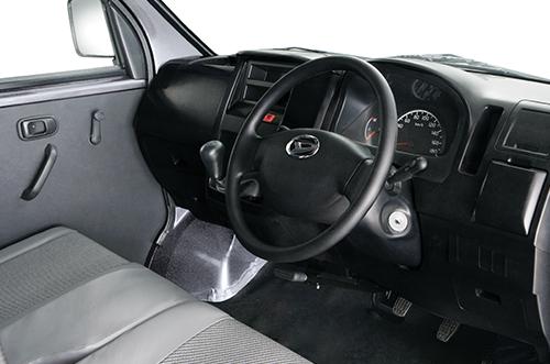 Daihatsu Granmax PU interior 3
